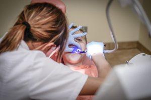 profilaktyka dentystyczna zabieg